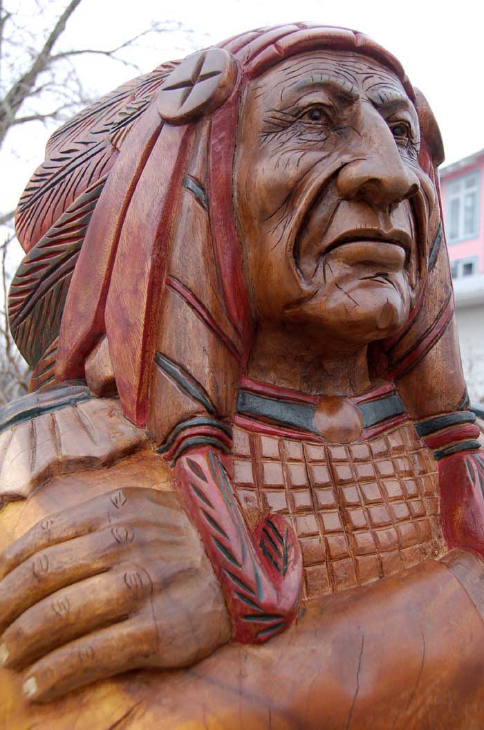 Wooden Native American Indian Chief Life Size Hand Carved Scupture